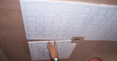 Клеим потолочную плитку ламинированную