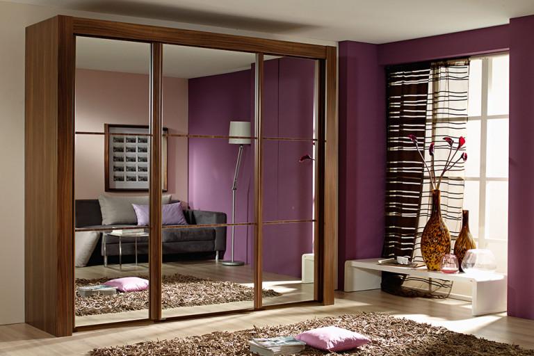 Шкаф для гостиной или спальни
